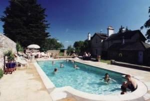 The swimming pool at Farnham Farmhouse