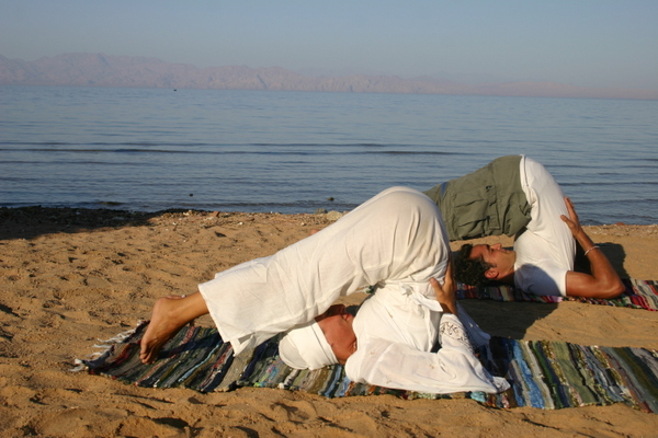 Sara Campbell & a friend on Dahab beach