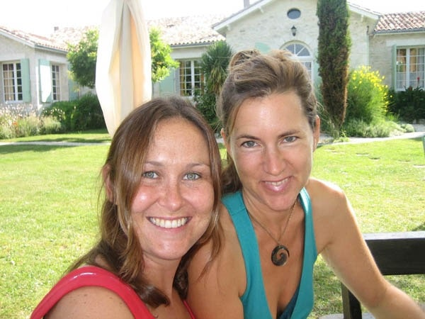 See how healthy they look? Massage therapist Susie Hampshire (left) & nutritionist Rebecca Andrist at the Jiva Healing fast that the Queen of Retreats editor attended in France