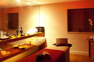 The treatment room at Simply Healing detox retreat in Sussex