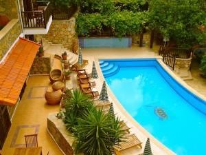 The Pomengrante Pool