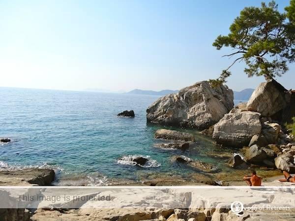 The Pomengrante beach