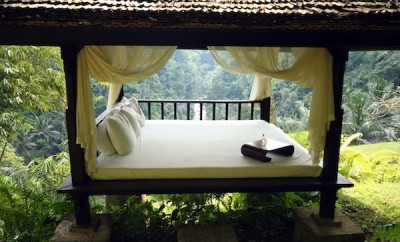 Massage Bed at Como Shambhala Bali © Queen of Retreats