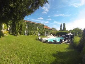 Les Passeroses France pool
