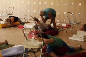 Simon Low yoga teacher at Santiillan