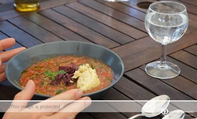 Yobaba Lounge raw food yoga retreat