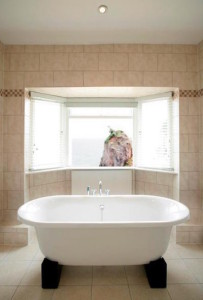 The Cary Arms bath