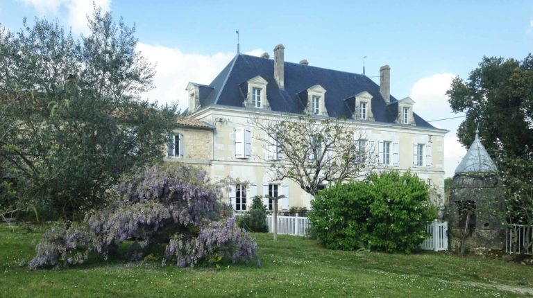 1.12 chateau de mouillac france Boutique Retreat France Hero RP