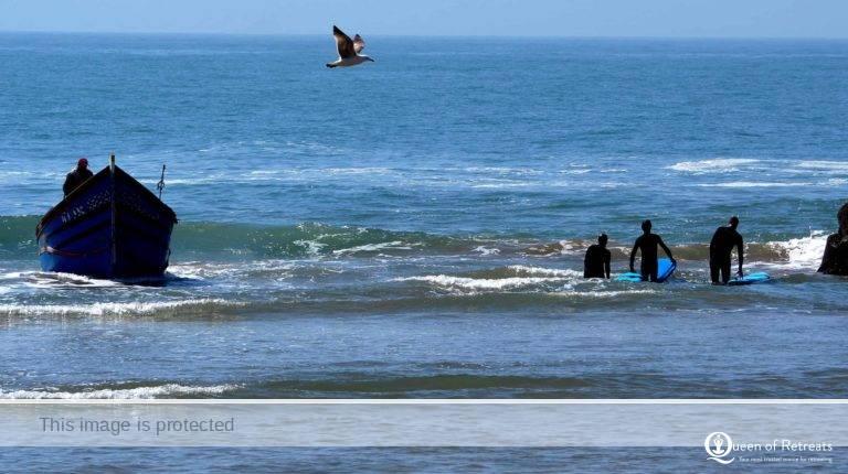 Resurface Surf Retreat Hero JP